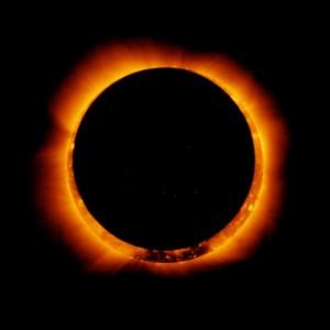 La spettacolare eclissi anulare solare in diretta dal monte Fujiyama