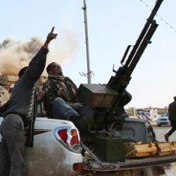 La Francia fornisce armi ai ribelli libici