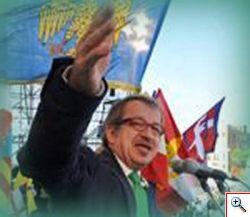 Il discorso del segretario della Lega Nord, Maroni