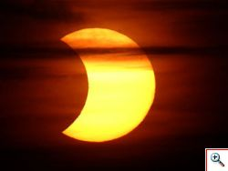 Spettacolare eclissi totale di sole in diretta streaming. La prossima nel 2015.