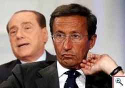 Fini e la campagna acquisti di Berlusconi