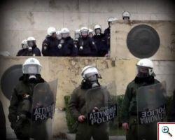 Grecia, migliaia di cittadini in piazza protestano contro il Governo.