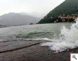 Lago di Como in tempesta