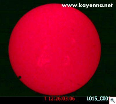 Foto di Venere in transito davanti al Sole. 5 giugno 2012